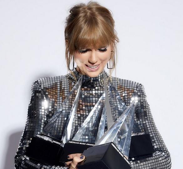 Taylor Swift AMAs winner 2018